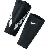 Nike Se0173 011 Guard Lock Elıte Sleeves Futbol Tekmelik Konçu