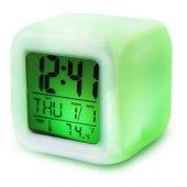 Alarmlı 7 Renk Değiştirilebilir Masa Saati Modeli