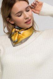 Sarı Desenli Fular