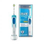 Oral B Vitality Şarj Edilebilir Diş Fırçası 3d White
