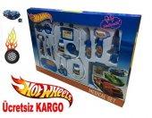 Hot Wheels Oyuncak 14 Parça Oyuncak Doktor Seti