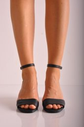 Günlük Topuklu Ayakkabı 100 Siyah Mat