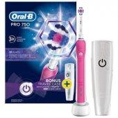 Oral B Pro 750 Şarj Edilebilir Diş Fırçası Cross Action Pembe (Seyahat Kabı Hediyeli)