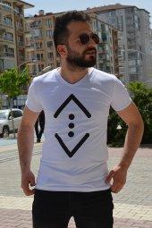 çukur Baskılı Beyaz Tshirt