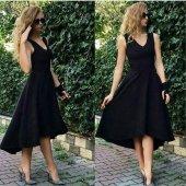 önü Kısa Arkası Uzun V Yaka Elbise