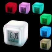 7 Renk Değiştiren Alarmlı Dijital Küp Saat