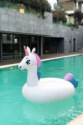 Pembe Ve Mor Renkli Şişme Unicorn Deniz Yatağı...