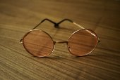 Pembe John Lennon Gözlük
